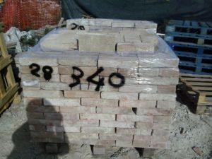 materiale pietra mattoni